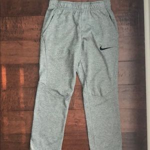 Boy's Nike Dri-fit sweatpants